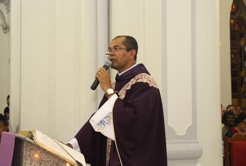 Resultado de imagem para padre gilvan afogados ingazeira