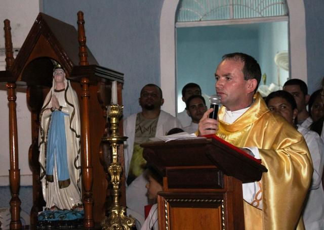 Padre Genildo Herculano Assume Paróquia Nossa Senhora De Lourdes Em